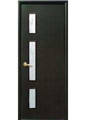 Межкомнатная дверь Квадра Герда со стеклом сатин венге 3D