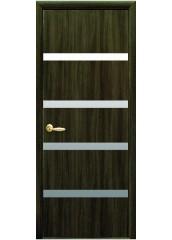 Межкомнатная дверь Квадра Нота с зеркалом Кедр