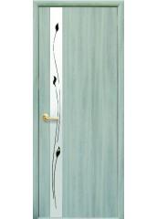 Межкомнатная дверь Квадра Злата De Luxe со стеклом сатин и рисунком Ясень патина