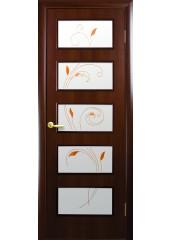 Межкомнатная дверь Квадра Ева со стеклом сатин и рисунком Орех