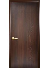 Межкомнатная дверь Колори Сакура глухое с гравировкой Каштан