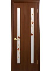 Межкомнатная дверь Квадра Вера со стеклом сатин и рисунком Орех